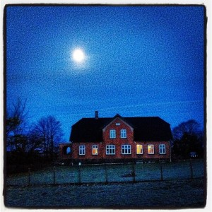 Huset_november_morgenmåne