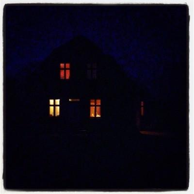 hus med lys