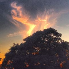 Ilddans på aftenhimlen