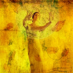 woman_visualizemanifest_elenaray