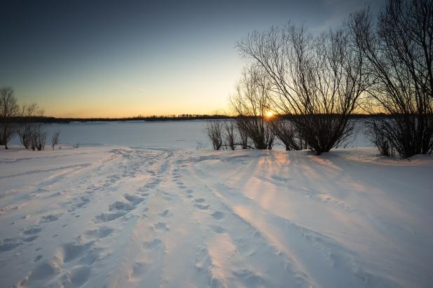footprints-snow