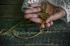 Old hands_key