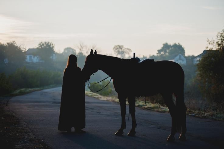 kvinde hest